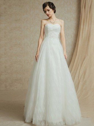 Sweetheart Lace A-line Tulle Custom Wedding Dress with Long Train