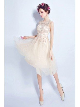 Champagne A-line Scoop Neck Knee-length Tulle Formal Dress With Appliques Lace