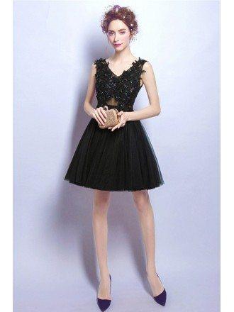 Black A-line V-neck Short Tulle Formal Dress With Beading