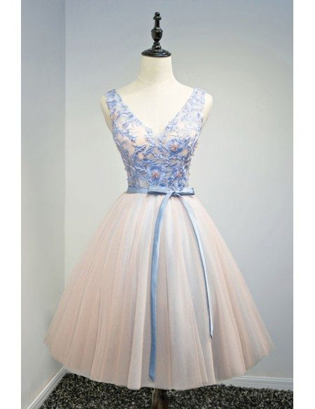 Special Ball-gown V-neck Short Tulle Homecoming Dress With Appliques Lace
