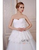 Ball-Gown Sweetheart Sweep Train Tulle Wedding Dress With Appliquer Lace Pleated