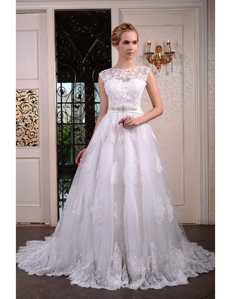 Ball-Gown Scoop Neck Chaple Train Tulle Wedding Dress With Beading Appliquer Lace