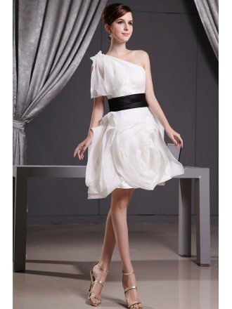 A-line One-shoulder Knee-length Organza Wedding Dress With Ruffle