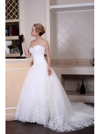 Ball-Gown Sweetheart Chaple Train Organza Wedding Dress With Appliquer Lace Pleated