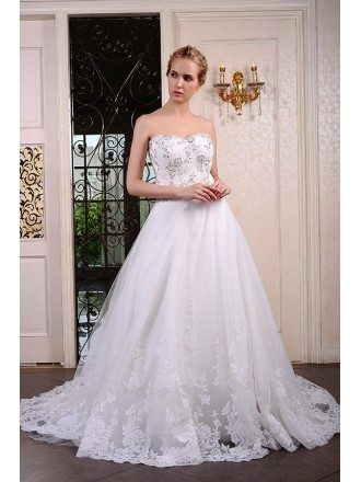 Ball-Gown Sweetheart Chaple Train Tulle Wedding Dress With Beading Appliquer Lace
