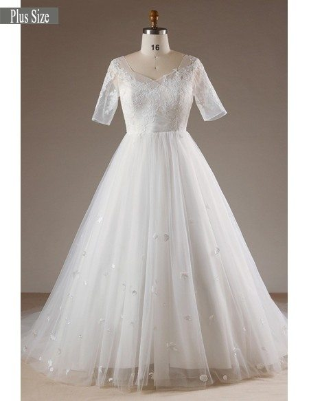 Plus Size Flowers Lace Long Tulle Beach Wedding Dress With Short Sleeves