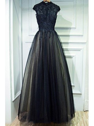 Vintage Chic Long Black Lace Formal Prom Dress With Cap Sleeves