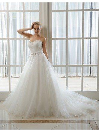 Ball-Gown Sweetheart Chapel Train Organza Wedding Dress With Beading