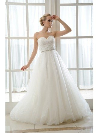 A-Line Sweetheart Sweep Train Tulle Wedding Dress With Beading Appliques Lace