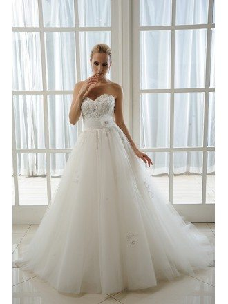 Ball-Gown Sweetheart Cathedral Train Tulle Wedding Dress With Beading Appliques Lace Flowers