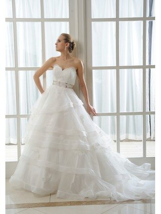 Ball-Gown Sweetheart Court Train Tulle Wedding Dress With Appliques Lace Ruffles