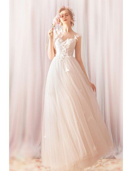 Gorgeous Flowers Long Tulle Beach Wedding Dress With Petals