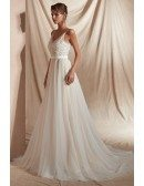 2019 Elegant Sweetheart Tulle Wedding Dress with Straps Lace Beads