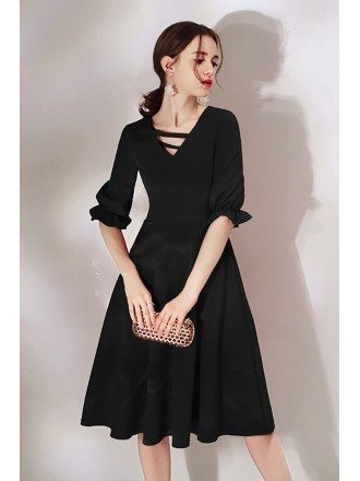 Simple Black Knee Length Dress With Half Sleeves
