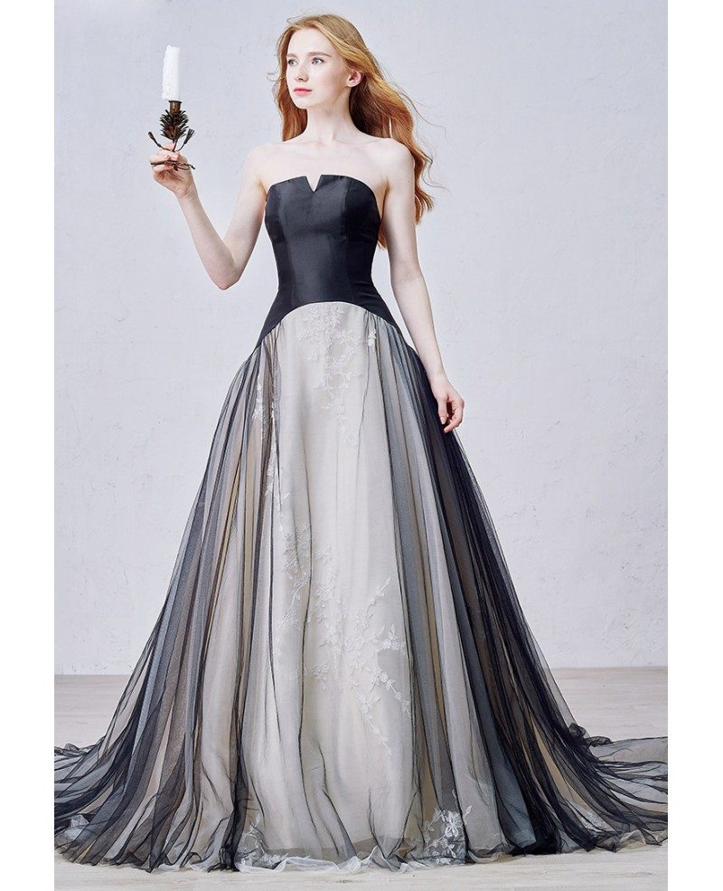 Unique Ball-Gown Strapless Court Train Tulle Wedding Dress