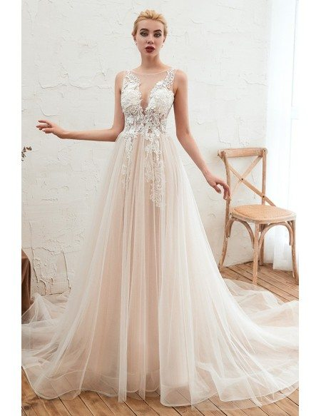 2020 Casual Sleeveless Tulle Lace Wedding Dress With Long Train