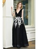 Special Long Black And White Tulle Prom Dress Vneck With Appliques