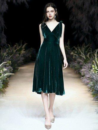 Sleeveless A Line Tea Length Velvet Green Formal Dress With V Neck