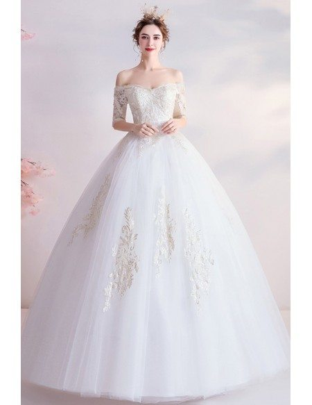 Classical Half Sleeved Big Ballgown Wedding Dress With Gold Embroidery