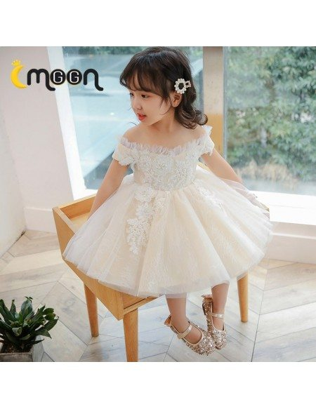 Beautiful Off Shoulder Little Girls Party Dress With Beaded Appliques Lace