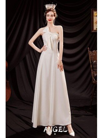 Elegant White Satin Party Dress with Beaded Sweetheart
